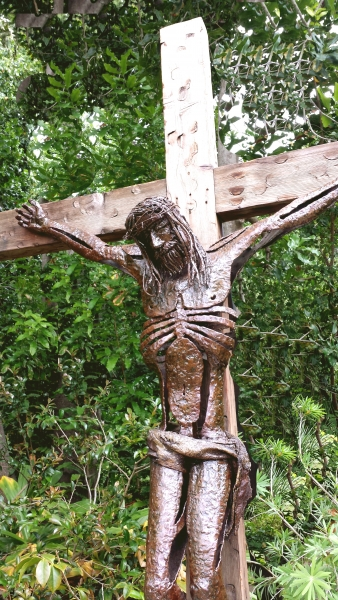 Crucifixion by Ron Whitacre
